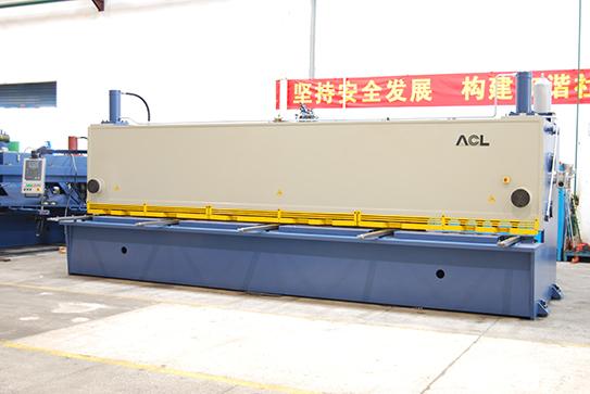 q11k-series-hydraulic-guillotine-shear-02